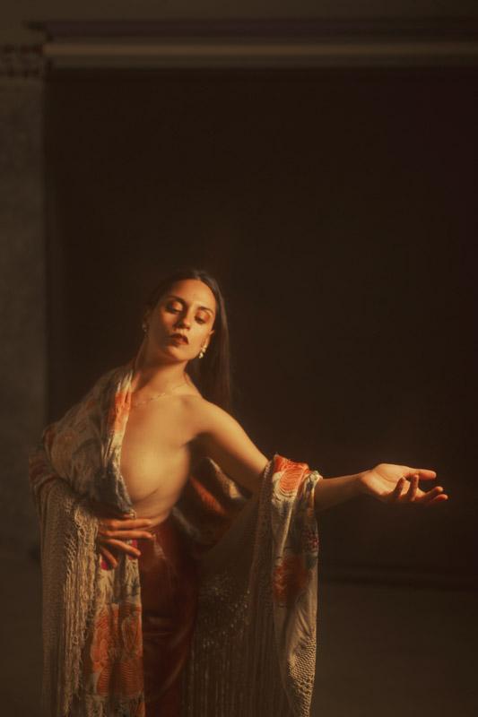 sesion flamenca andalucia veronica morales manton de manila