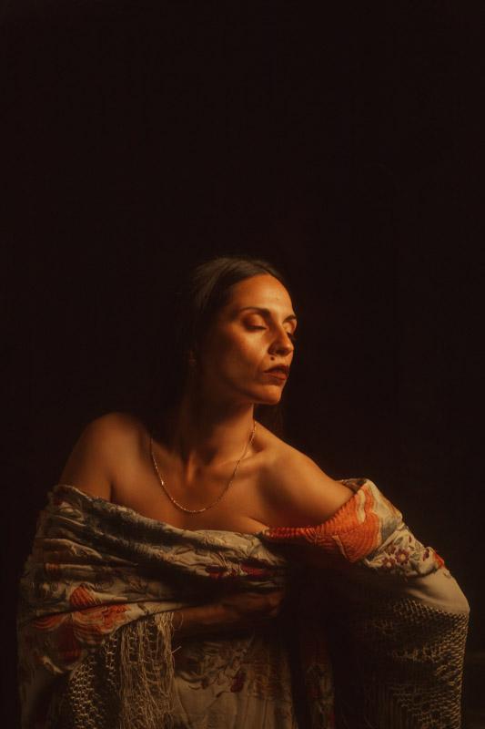 manton de manila sevilla sesion flamenca andalucia veronica morales