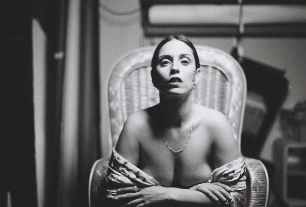 fotografia book de actriz blanco y negro