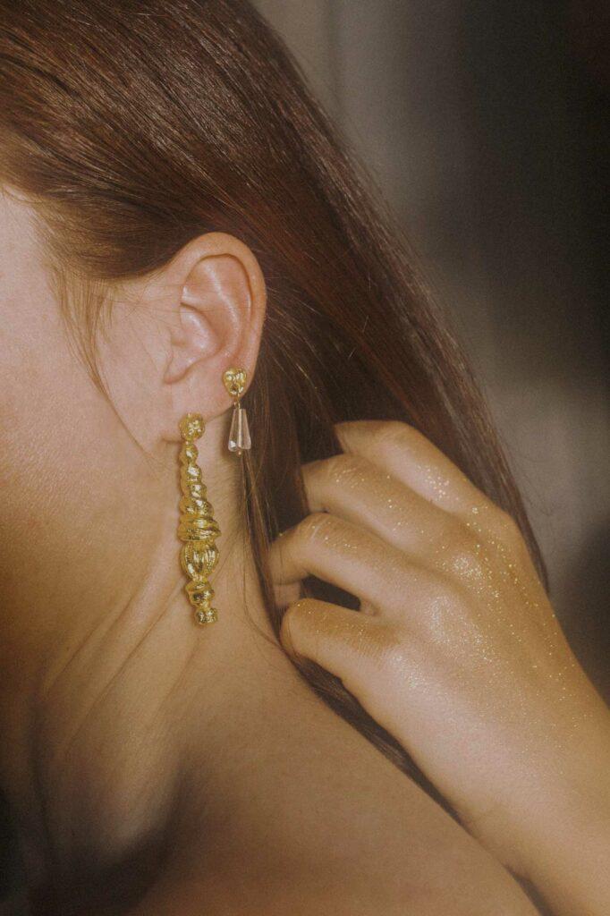 Editorial de joyas andaluzas porveni firma raso - fotografia de Alejandra Amere